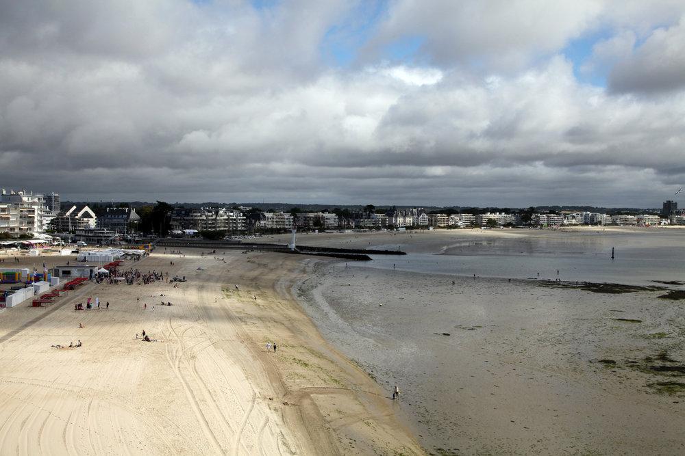 Vue de la plage du Pouliguen et de la Baule.