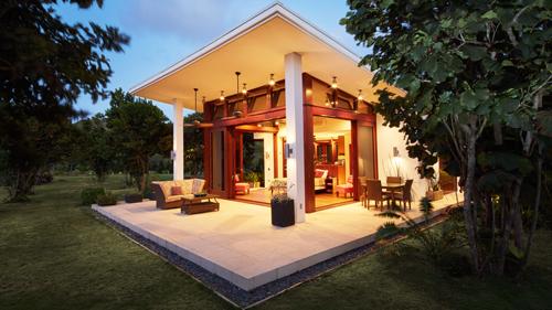 LES OISEAUX  Nevis, St. Kitts & Nevis   V  isit >
