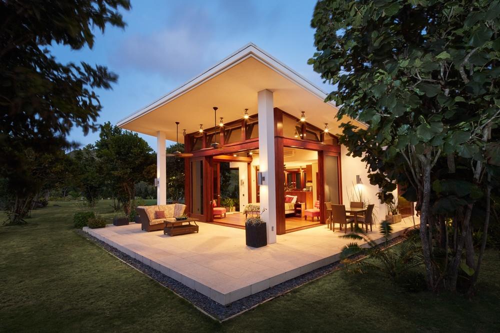 Cottage Exterior 007.jpg