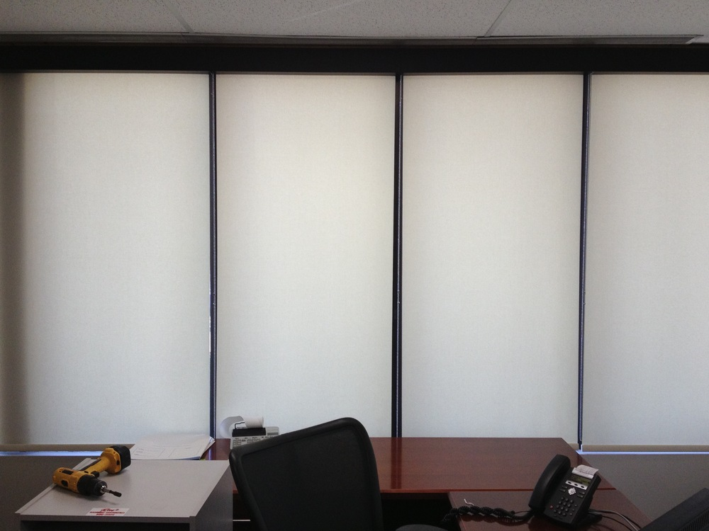 Commercial Setting - Roller Shade.jpg