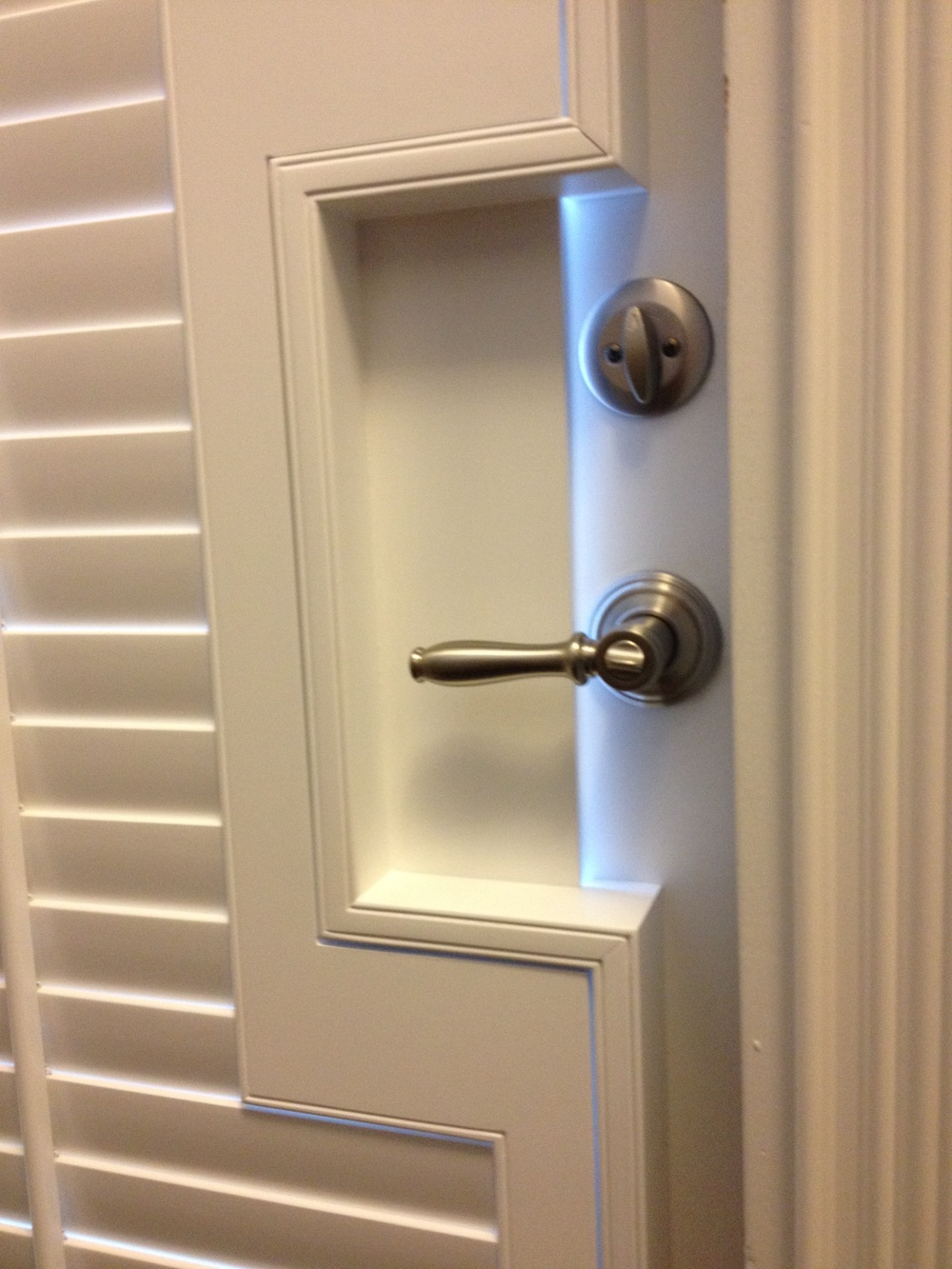 2 1_2 in. Composite Shutter with Door Handle Cutout.jpg