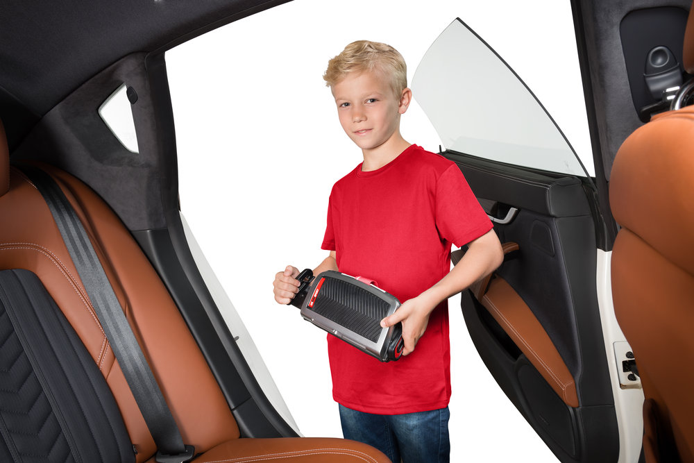 boy opening mifold SPort.jpg