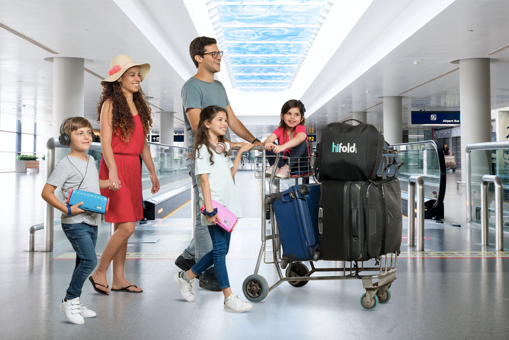 family_at_airport_with_BG_2_jpg.png