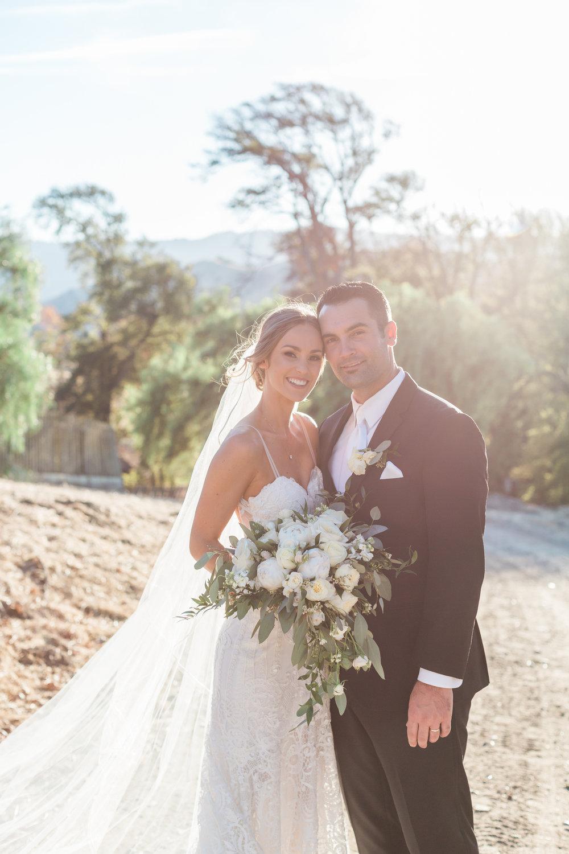 bride-groom-rustic-wedding-hollister-2.jpg