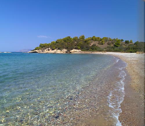 zoe_aman_beach_club_1_alb.jpg