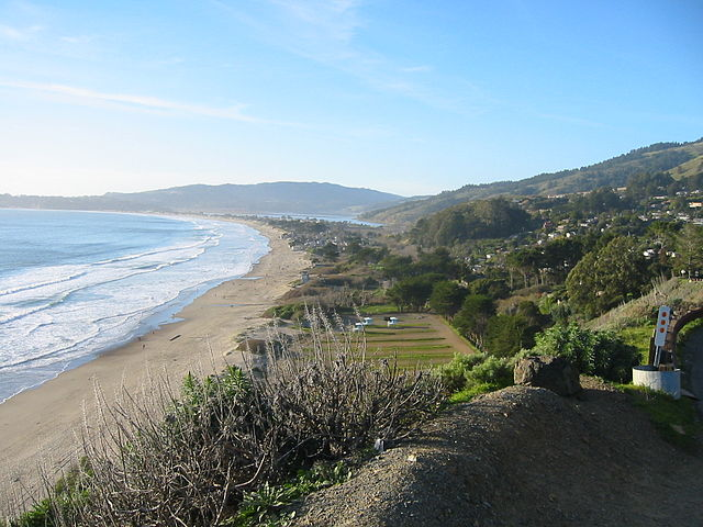 Creative Commons Stinson Beach  by Kglavin CC BY SA