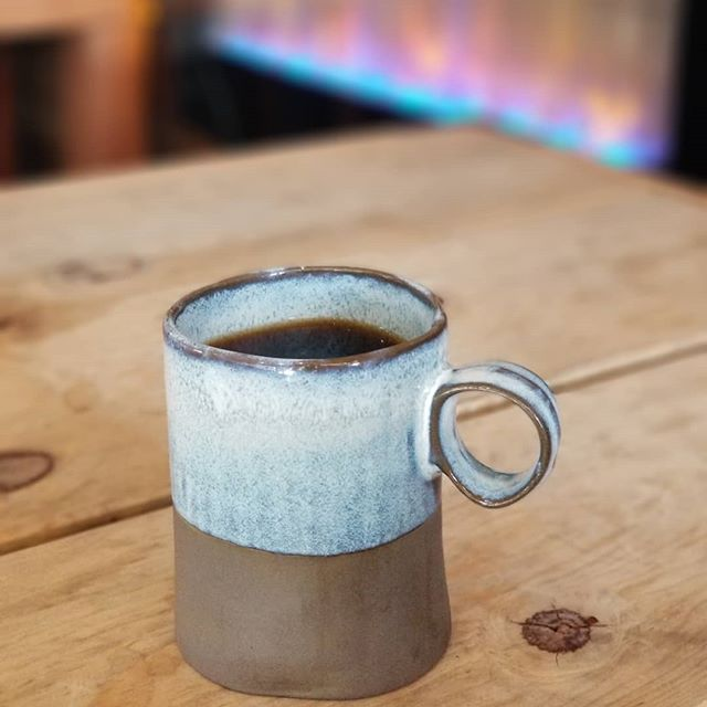[Mood] Cold Winter morning, warm cup of brew, and a cozy spot. . . REMEMBER! Coffee and Conversation happens tomorrow! Bring in your friends and family for a quality conversation over a cup of brew! Buy your coffee and they get one for free! . . . #cavemancoffeecave #cavemancoffeeco #coffee #caffeine #motivation #espresso #coffeeshop #local #howtosantafe #simplysantafe #downtownsantafe #santafeplaza #nmtrue #coffeelove #coffeefirst #latteart #latte #cappuccino #skisantafe #skibueno #latteart #holidays  #coffeebeans #thirdwavecoffee #specialtycoffee