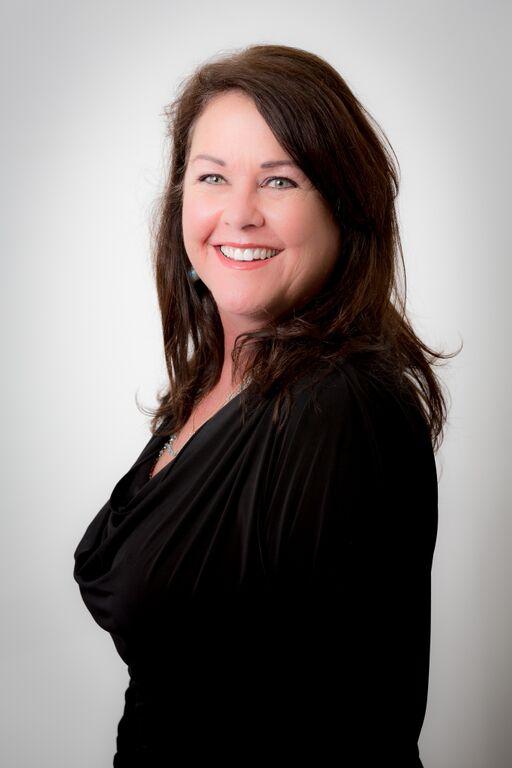Kristin Molinari, Office Manager