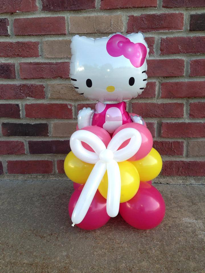 $11.99 Hello Kitty Table Top Centerpc