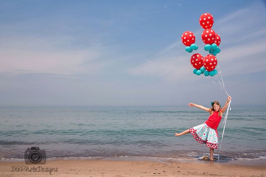 Red Dots and carribean blue balloons
