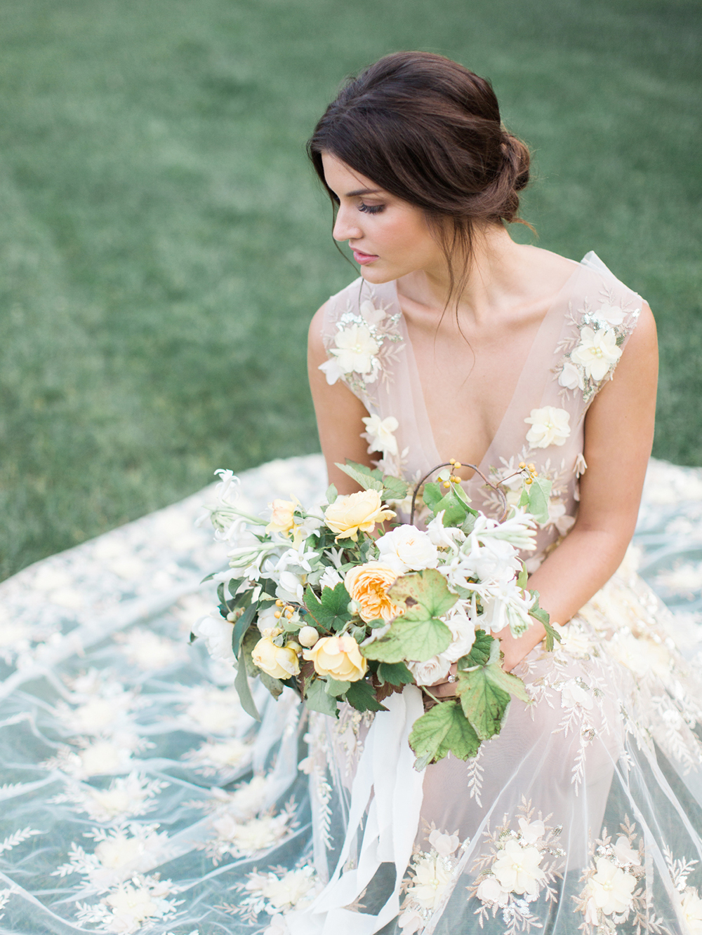 http://www.greylikesweddings.com/inspiration-shoots-and-boards/pure-joy-yellow/