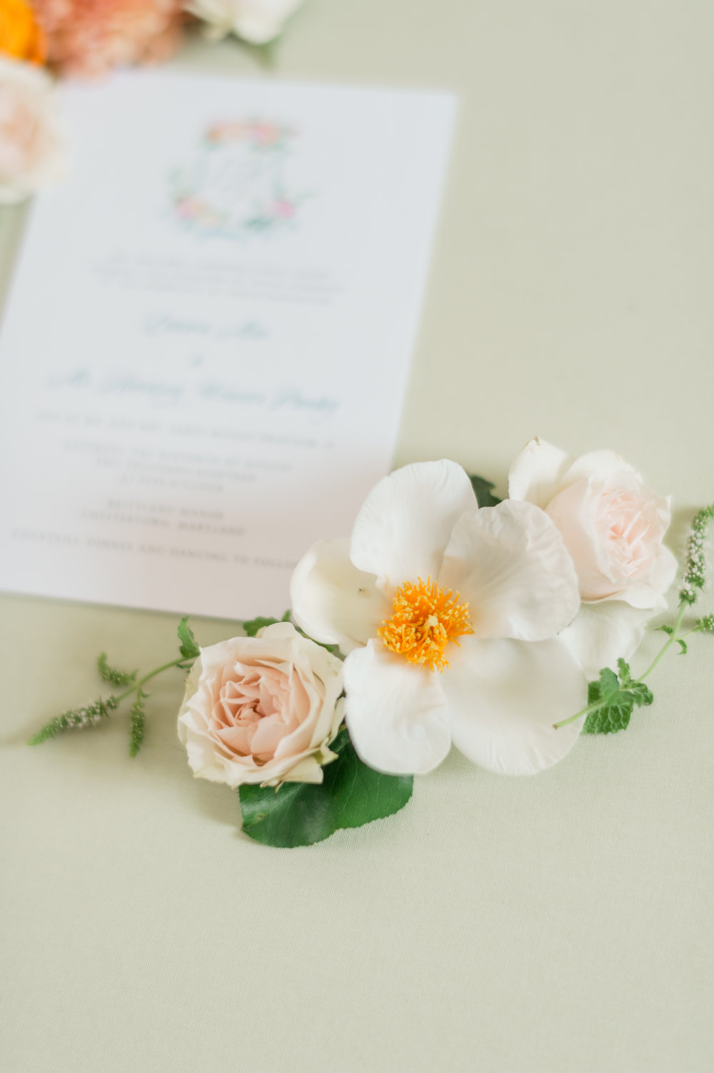 Sophie Felts Floral Design | L + H at Brittland Manor | DC Wedding Florist | MD Wedding Florist