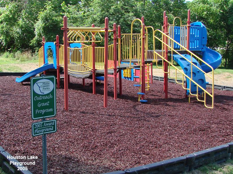 2010_06-24_HL_Playground_edit2.jpg