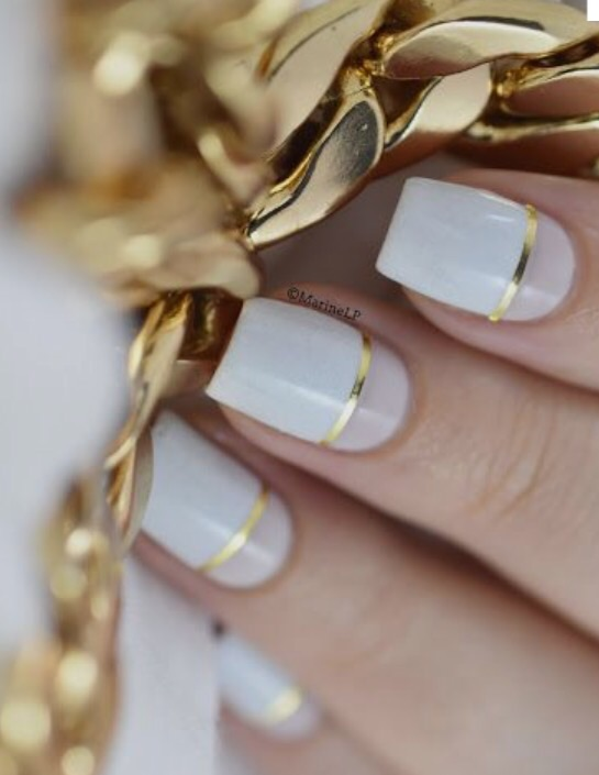Color blocking with golden details