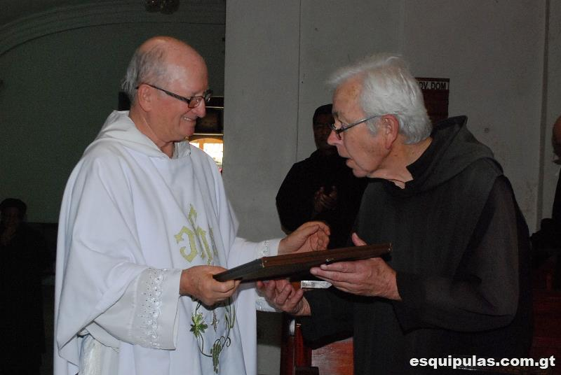 Br. Stephen (right) with Abbot Héctor Sosa-Paz.