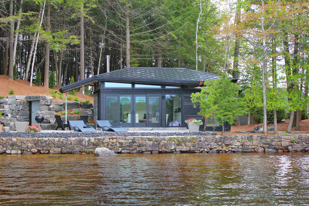 MUSKOKA CONTEMPORARY BEACHHOUSE