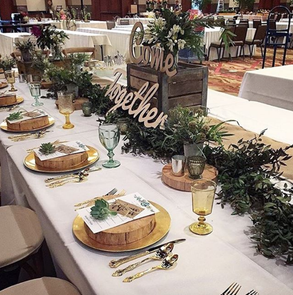 The garland on this lovely table was created entirely with huckleberry