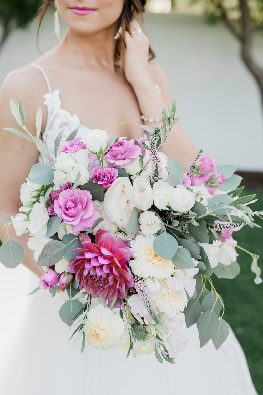 valentine-bride-bouquet.jpg