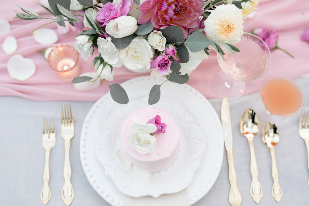 valentines-day-wedding-table.jpg