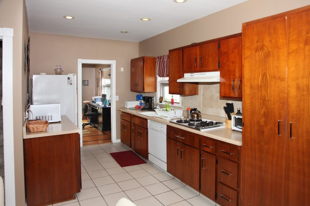 ValHouse-kitchen2.jpg