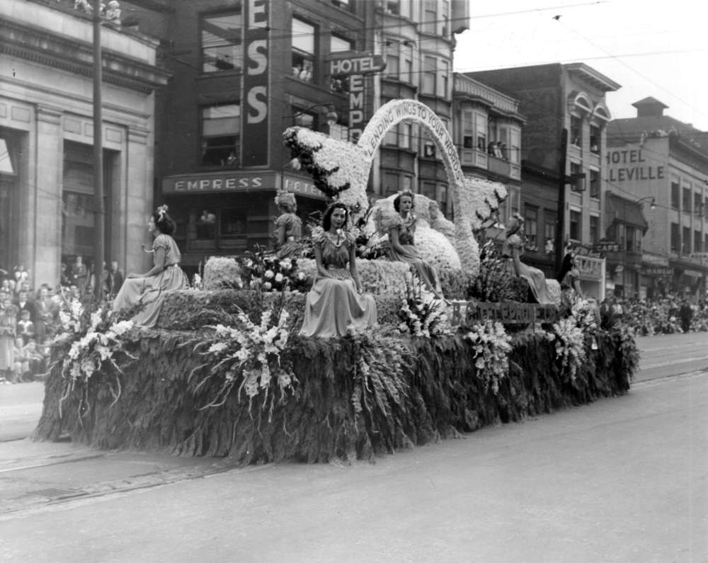 1949 PNE Parade - BC Tel Co. float outside The Hotel Empress