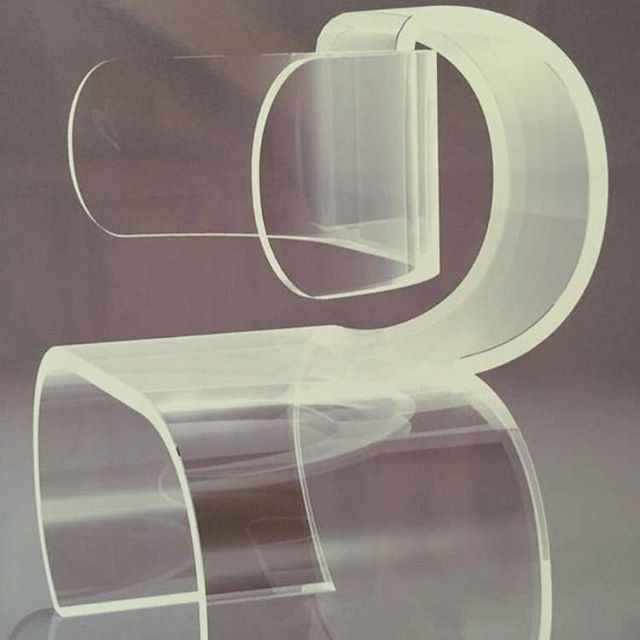 Spent a considerable amount of time yesterday, exploring  the ways in which this chair could be manipulated into a chain link style. Still thinking on it.  Chair by Charles Hollis Jones  via @__dreamspaces #processorienteddesign
