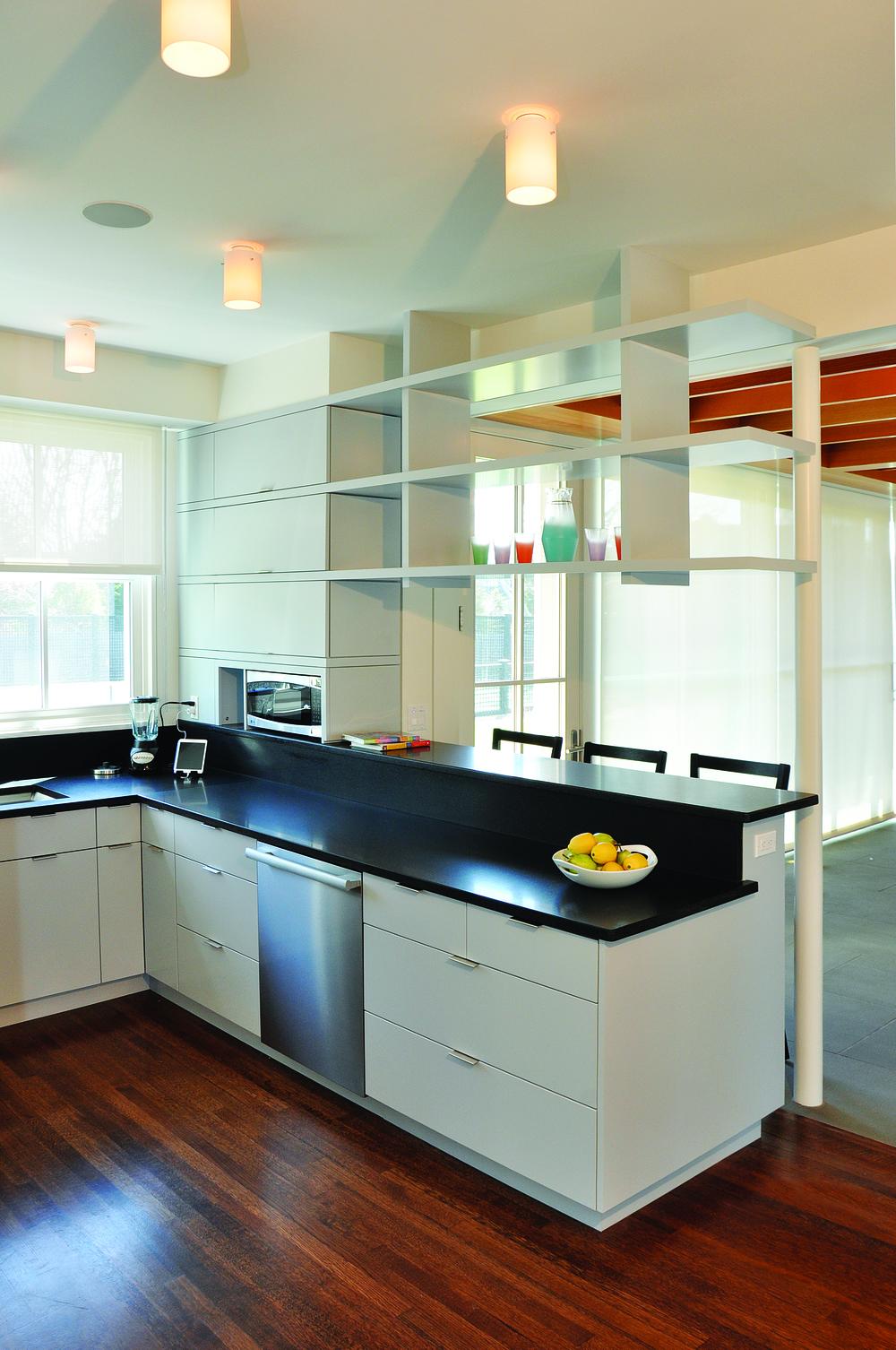 Counter-w-Shelf.jpg