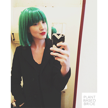 Green hair don't care!  Halloween costume roundup @elizabethturn / plantbasedbride.com