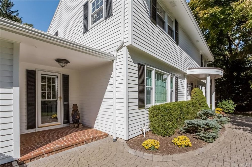 11 DEERFIELD RD  POUND RIDGE  LIST PRICE $795,000  SOLD PRICE $765,000  SOLD ON 07/21/17