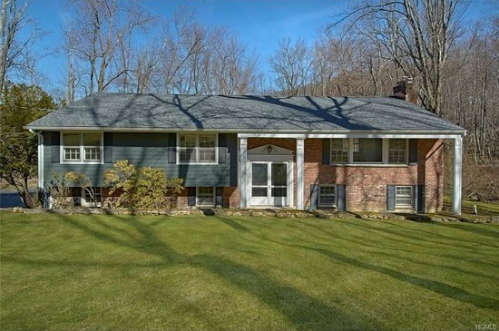 25 HUNTING RIDGE RD  CHAPPAQUA  LIST PRICE $735,000  SOLD PRICE $720,000  SOLD ON 06/22/17