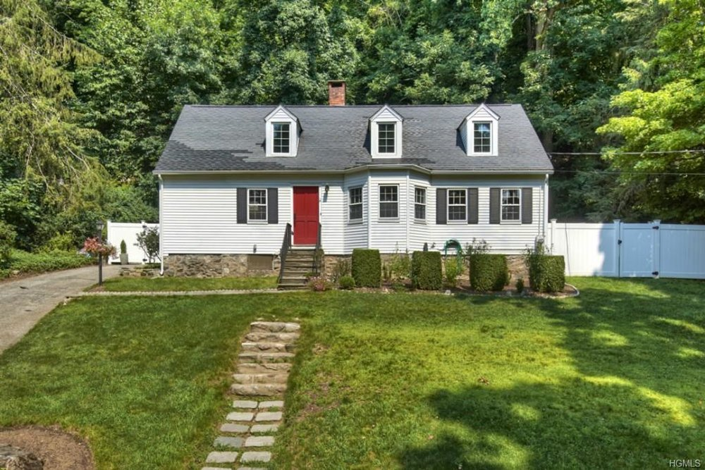 152 MILL RIVER RD  CHAPPAQUA  LIST PRICE $529,900  SOLD PRICE $529,000  SOLD ON 10/26/15