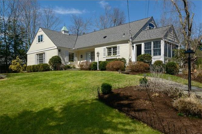 11 PAULDING DR  CHAPPAQUA  LIST PRICE $1,070,000  SOLD PRICE $1,035,000  SOLD ON 08/11/15