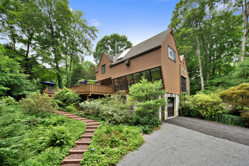 64 GLENDALE RD  OSSINING  LIST PRICE $895,000  SOLD PRICE $890,000  SOLD ON 07/02/18