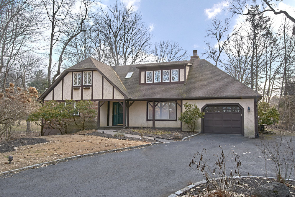 2102 QUAKER RIDGE RD  CROTON ON HUDSON  LIST PRICE $799,000  SOLD PRICE $865,000  SOLD ON 01/14/19