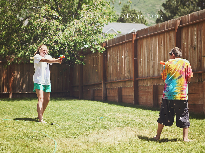 salt-lake-city-utah-child-photographer-backyard-fun-05.jpg
