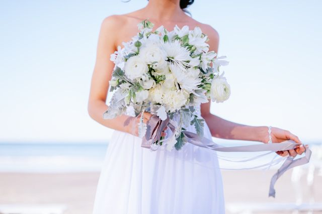 styled beach shoot low res-23.jpg