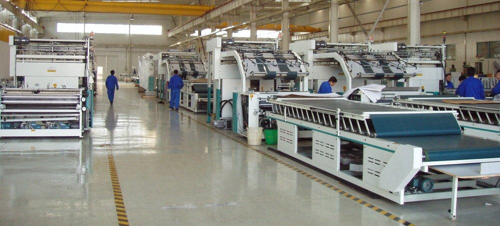 La zona de montaje final de la lito laminadora FMZ,modelo estándar, en la planta de Meiguang