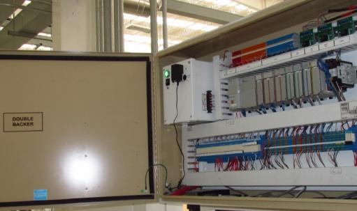El sistema de control de velocidad del puente de Copar utiliza componentes electrónicos modernos y robustos.