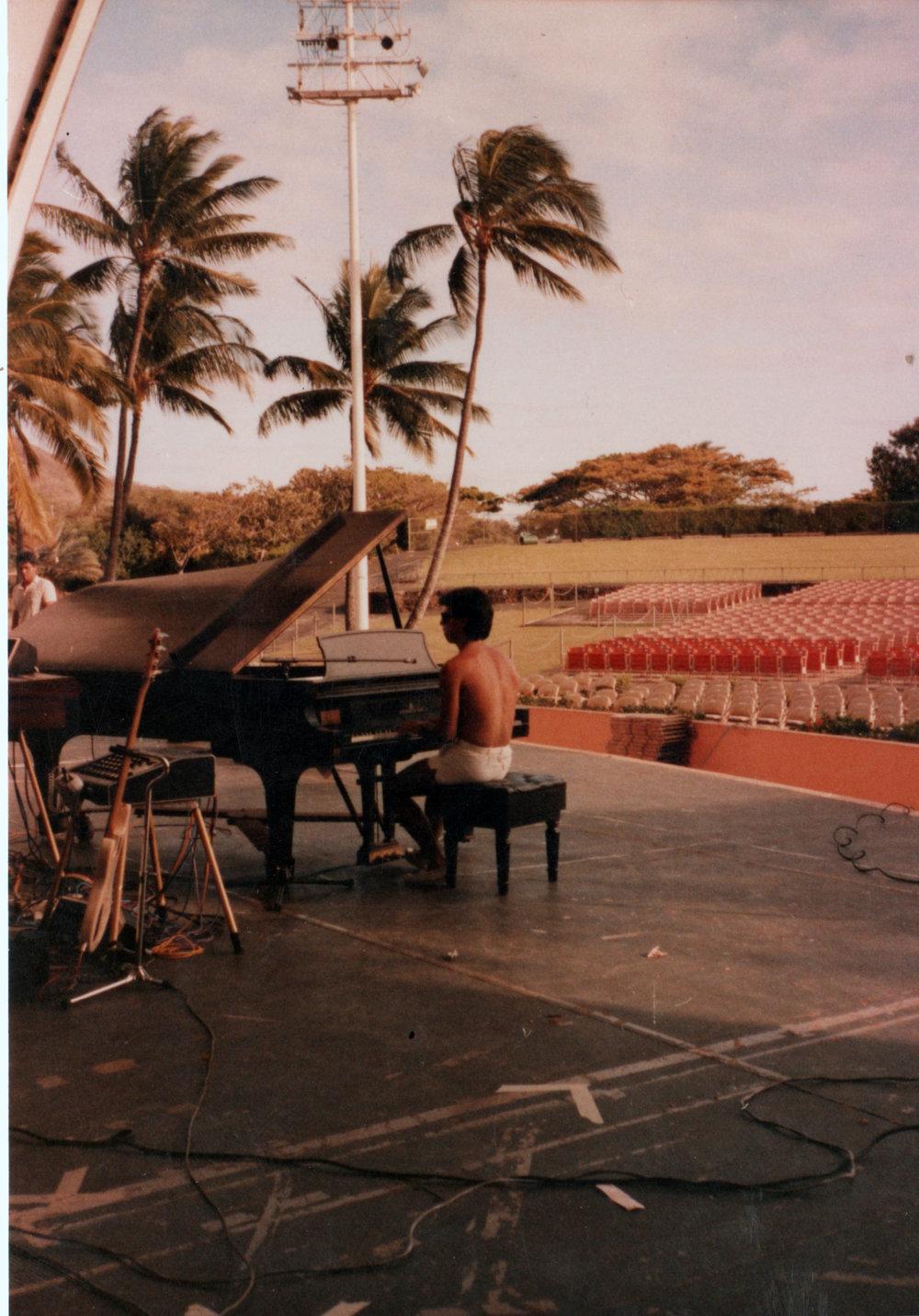 hawaii concert.jpeg