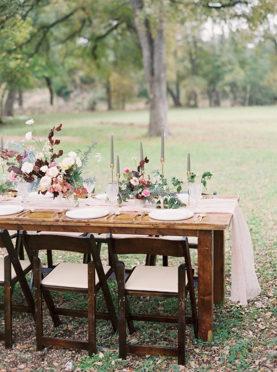 Style Me Pretty :  The Prettiest Pastels For This Al Fresco Fall Wedding