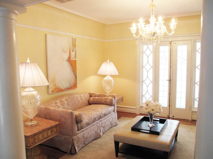 sittingroom_flowers brightercopy.jpg