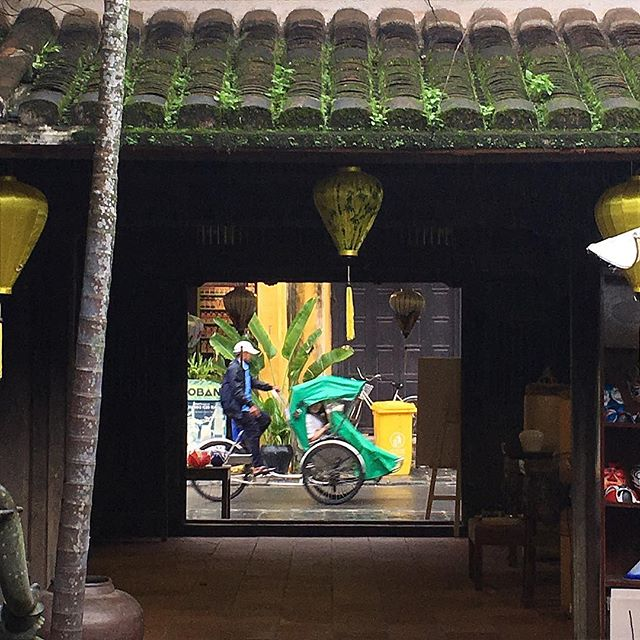 Peering from the inside courtyard of the oldest house built in Hoi An. . . . #lanterns #hoian #hoianancienttown #sourcing #vietnam