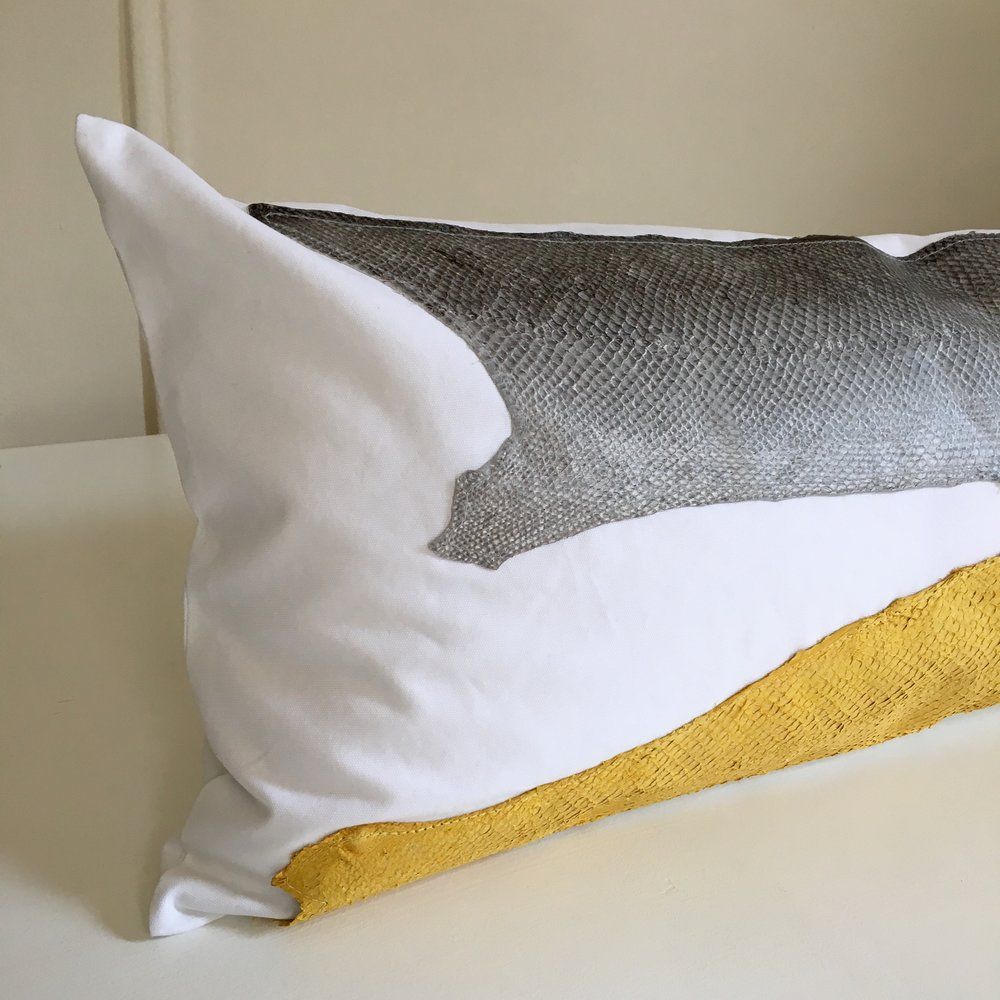 detail pillow.jpg