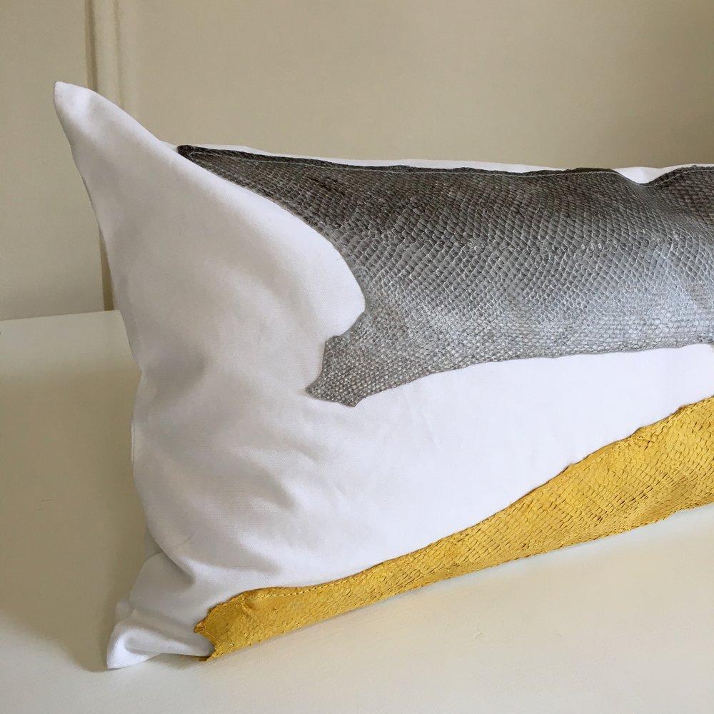 detail pillow.jpg