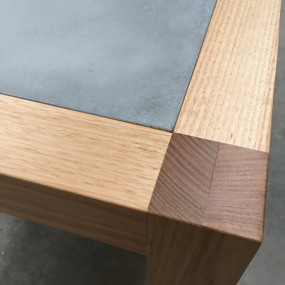 Neli Timber and Concrete Dining Table - Detail