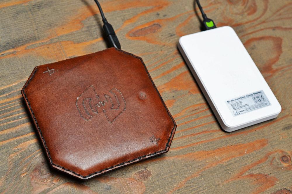 Wireless Charger LP-1 - Dark Brown