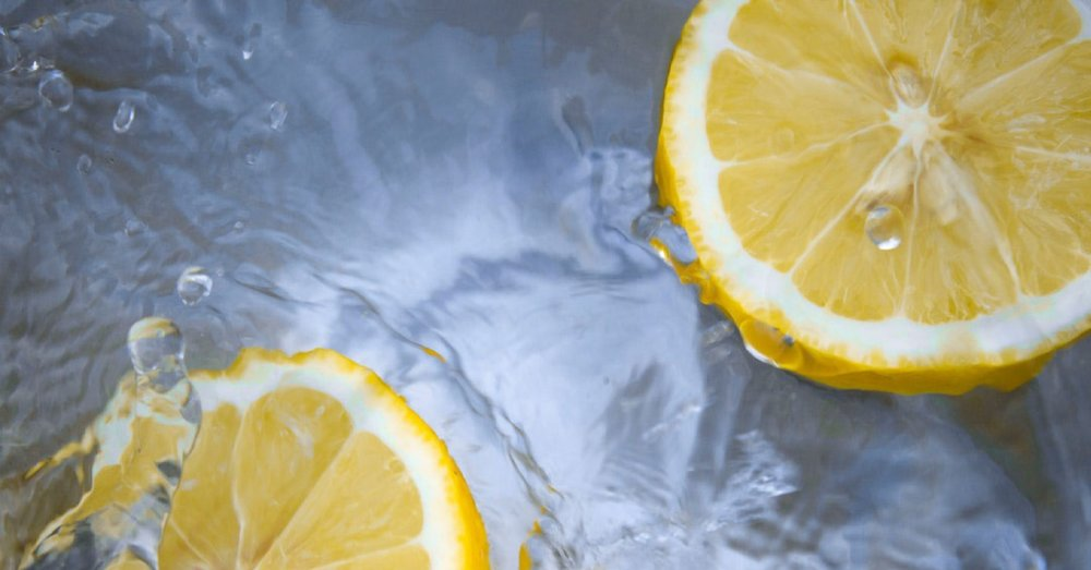 Begin your day with a warm glass of water with a squeeze of fresh lemon. This works to alkalize your body and stimulate digestion. - -Maria Noe