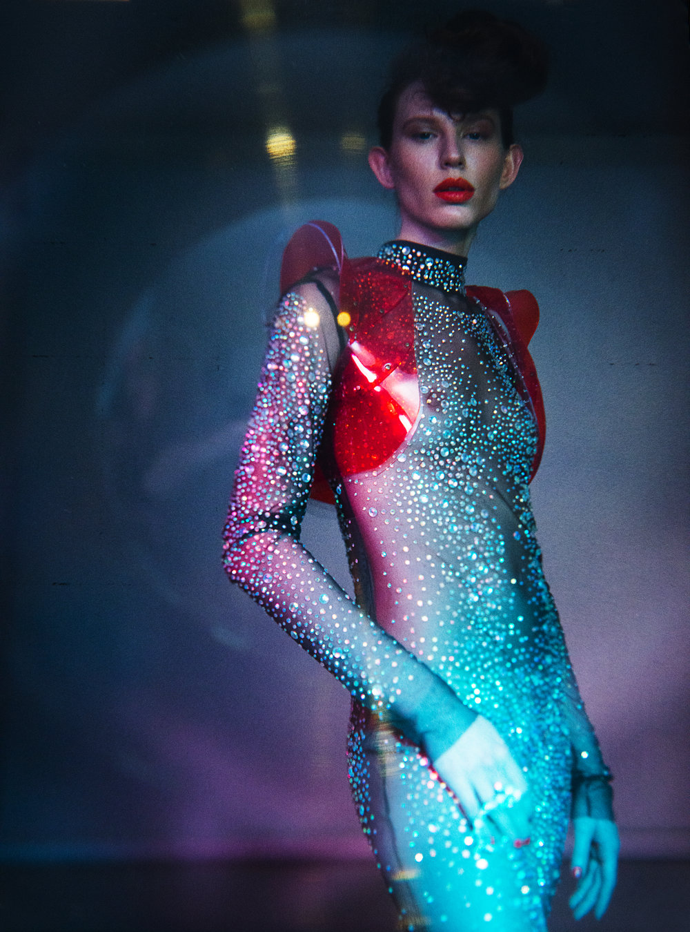Dress & Vest:Atelier Lorand Lajos / Ring: Konplott