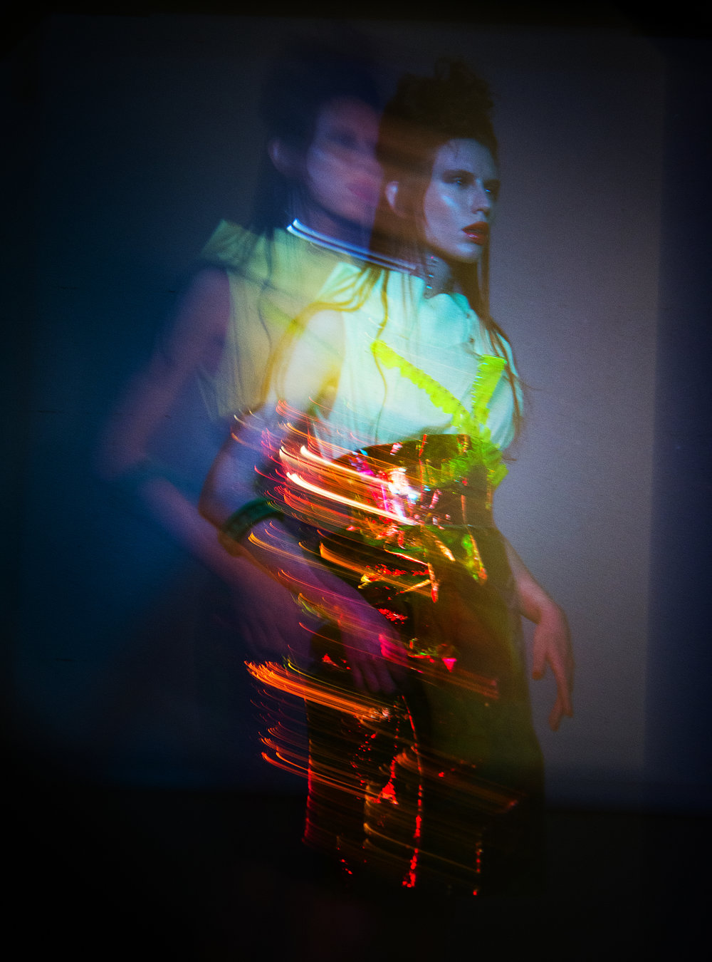 Top:Issey Miyake / Skirt:Drome / Bracelet:Diana Law