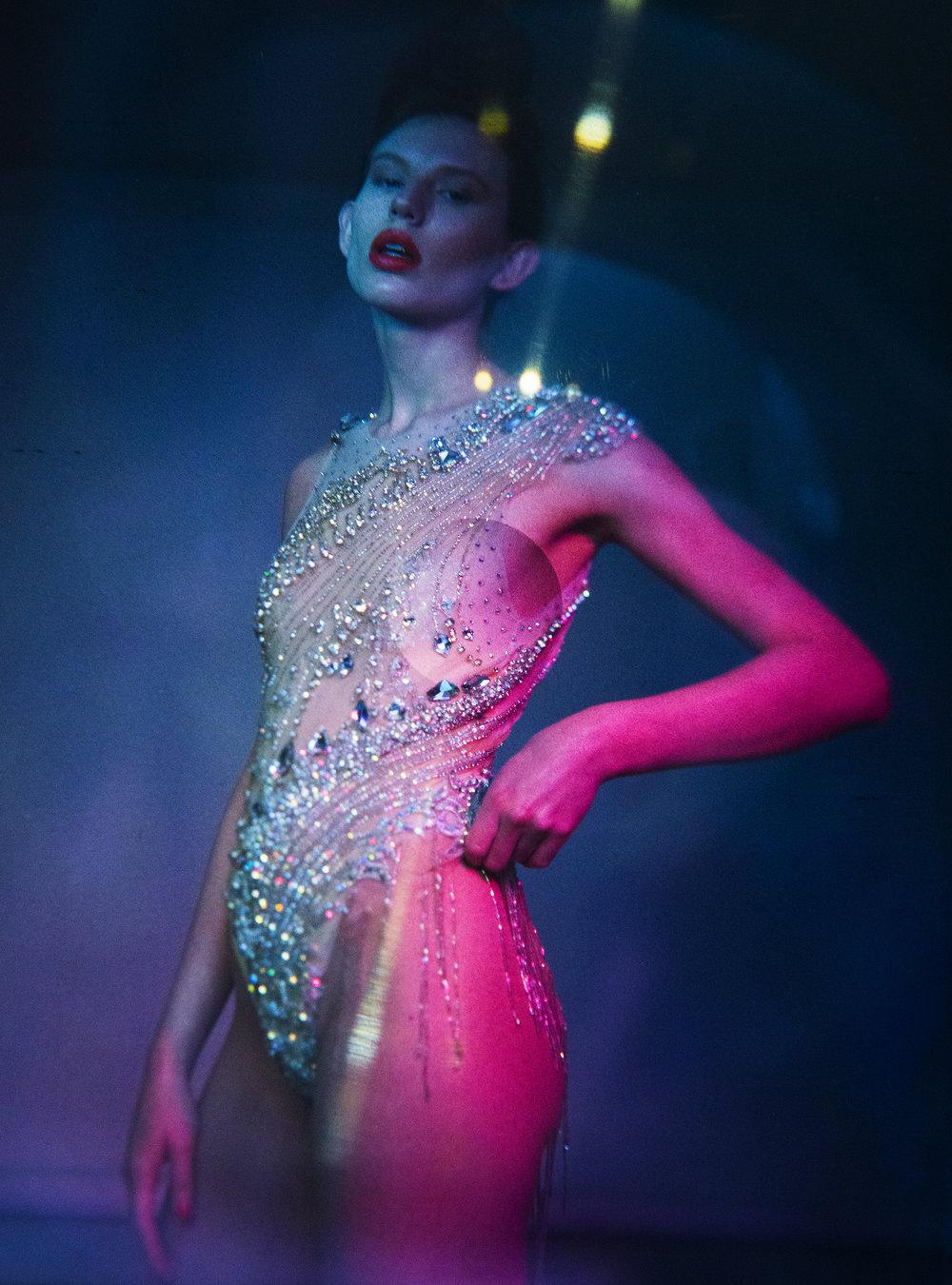 Teeth:Staji Grillz / Body Suit:Atelier Lorand Lajos